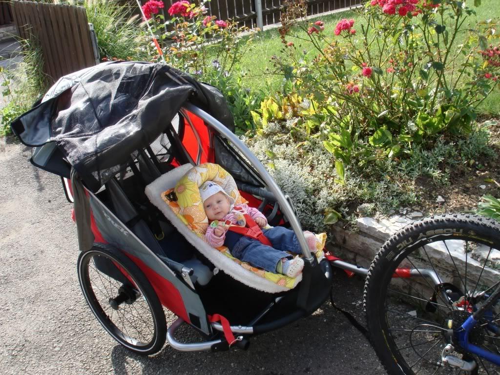 La remorque à vélo idéale pour une randonnée en famille