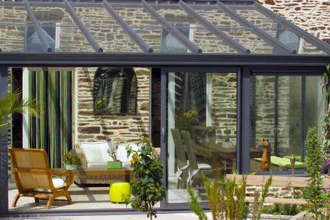 La véranda en aluminium : un confort d'été et d'hiver